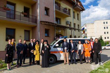 """Predarea oficială a Ambulanței Centrului de Îngrijiri Paliative """"Sfântul Nectarie"""" Cluj-Napoca"""